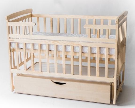 детская кроватка из дерева